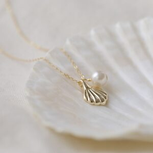 Seashell Pearl Necklace